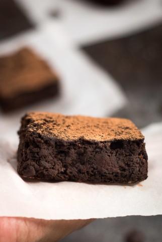 Dark-Chocolate-Black-Bean-Brownies-3-700x1048